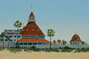 Hotel Del Coronado Framed Prints - Hotel Del Coronado Framed Print by Frank Dalton