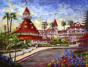 Hotel Del Coronado Framed Prints - Hotel Del with Flowers Framed Print by Sue Tushingham McNary