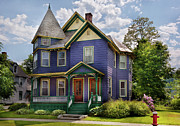 Victorian Inn Prints - House - Victorian - Waterbury VT - There lived an old lady who lived in a house Print by Mike Savad