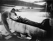 Egyptian Mummy Prints - Howard Carter 1874-1939,  Turning Back Print by Everett