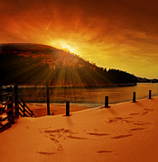 Walking Around Ladybower Reservoir Framed Prints - Howden Sun Burst Framed Print by Nigel Hatton