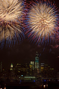 Hudson River Fireworks Xi Print by Clarence Holmes