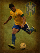 Spanish Football Prints - Hulk Kicks Givanildo Vieira de Souza Print by Lee Dos Santos