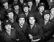 1940s Candid Photos - Hundreds Of Women From The Womens by Everett