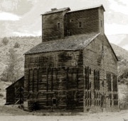 Wooden Building Digital Art Prints - Hunts Ferry Barn Print by David Lee Thompson