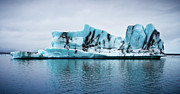 Cold Temperature Art - Iceberg by Thierry Hennet