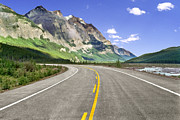 Yellow Line Prints - Icefields Parkway In Canadian Rockies Print by Lester Lefkowitz
