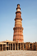 Y120907 Art - India, Delhi, Qutub Minar, Low Angle View Of Minaret by Bryan Mullennix