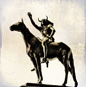 Horseback Digital Art - Indian Statue in Philadelphia by Bill Cannon