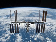 Modular Photo Prints - International Space Station In 2009 Print by Everett