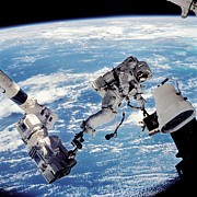S1 Photos - Iss Space Walk by Nasa