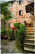 Cobblestone Prints - Italian Courtyard Print by Lynn Andrews