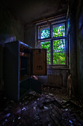 Haunted House Art - Its empty by Nathan Wright