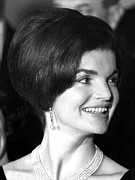 Pearl Earrings Posters - Jacqueline Kennedy At The State Dinner Poster by Everett