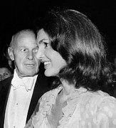 President And First Lady Framed Prints - Jacqueline Kennedy Onassis With George Framed Print by Everett