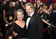 Jeff Photo Prints - Jeff Bridges, Susan Geston At Arrivals Print by Everett