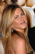 Hair Parted In The Middle Framed Prints - Jennifer Aniston At Arrivals For Marley Framed Print by Everett