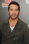 Jeremy Prints - Jeremy Piven At Arrivals For World Print by Everett
