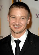 Jeremy Prints - Jeremy Renner At Arrivals For The Print by Everett