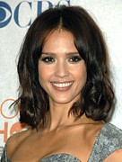 Hair Parted In The Middle Framed Prints - Jessica Alba In The Press Room Framed Print by Everett