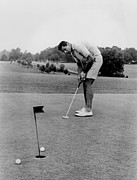 Professional Athletes Posters - Joe Namath Playing Golf Poster by Everett