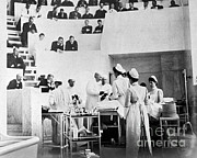 Cushing Photos - John Hopkins Operating Theater, 19031904 by Science Source