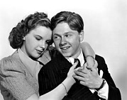 Arm Around Shoulder Posters - Judy Garland And Mickey Rooney, 1939 Poster by Everett