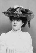 1880s Photos - Julia Marlowe 1865-1950, English Born by Everett