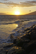 Beach Sunsets Posters - Kamaole Beach Sunset Poster by Marilyn Wilson