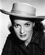 1950s Portraits Photos - Kangaroo, Maureen Ohara,  1952 by Everett