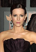 Dangly Earrings Photo Framed Prints - Kate Beckinsale At Arrivals For 14th Framed Print by Everett