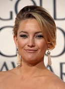 Beverly Hilton Hotel Posters - Kate Hudson At Arrivals For The 67th Poster by Everett