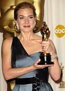 Academy Awards Oscars Prints - Kate Winslet Wearing An Yves Saint Print by Everett