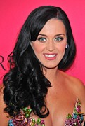 Pink Lipstick Photo Framed Prints - Katy Perry At Arrivals For The Framed Print by Everett