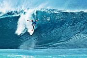 Kelly Photo Framed Prints - Kelly Slater at Pipeline Masters Contest Framed Print by Paul Topp