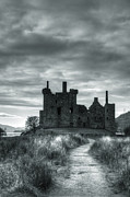 Kilchurn Castle Prints - Kilchurn Castle, Argyll, Scotland Print by Kathy Collins