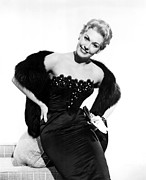 Fur Stole Prints - Kim Novak, 1954 Print by Everett