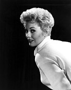 Kim Novak Metal Prints - Kim Novak, 1955 Metal Print by Everett