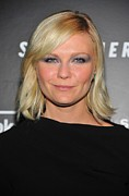 Eye Makeup Photos - Kirsten Dunst At Arrivals For Somewhere by Everett