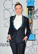 Hair Bun Metal Prints - Kirsten Dunst At Arrivals For The 2011 Metal Print by Everett