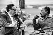 Kissinger Prints - Kissinger And Sadat, 1975 Print by Granger