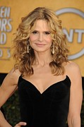 Screen Actors Guild Prints - Kyra Sedgwick At Arrivals For 17th Print by Everett
