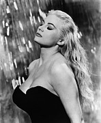 1960 Movies Framed Prints - La Dolce Vita, Anita Ekberg, 1960 Framed Print by Everett