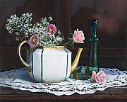 Porcelain Paintings - La Teiera E I Fiori Rosa by Danka Weitzen
