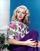 1940s Hairstyles Photos - Lana Turner, Early 1940s by Everett