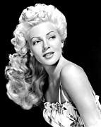 1940s Hairstyles Photos - Lana Turner, Mgm, Ca 1940s by Everett