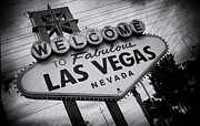 Las Vegas Sign Prints - Las Vegas Sign Print by Peter Aitchison