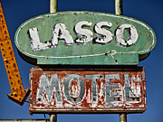 Lasso Posters - Lasso Motel on Route 66 Poster by Carol Leigh