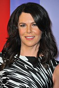 Press Conference Posters - Lauren Graham At Arrivals For Nbc Poster by Everett