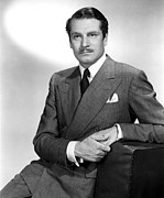 Laurence Photo Posters - Laurence Olivier, 1952 Poster by Everett